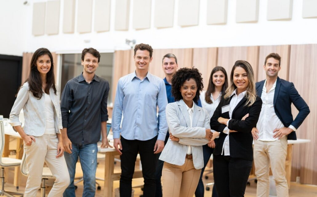 https://sias.com.br/wp-content/uploads/2021/03/Millennial-employees-and-how-to-retain-them-effectively-1-1030x687-1-1030x640.jpg